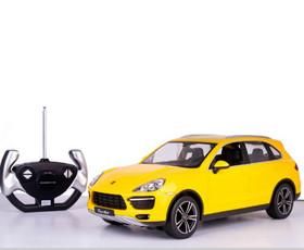 מכונית על שלט - פורשה קאיין צהובה